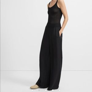 Theory ribbed waist wide leg pant. New!